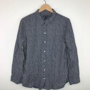 Gap blue hearts boyfriend fit button down shirt